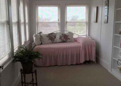 jacuzzi-suite-sunroom